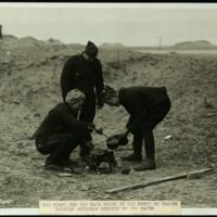 The fight for the sand dunes in the north of France: Belgian soldiers cooking on the sand
